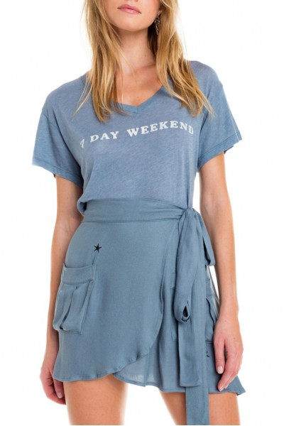 Wildfox - 7 Day Weekend Romeo V-Neck Tee - Vision Blue