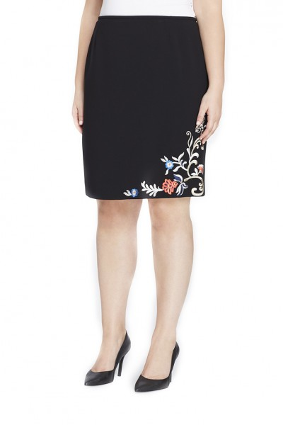 Tahari - Women's Embroidered Crepe Skirt - Black